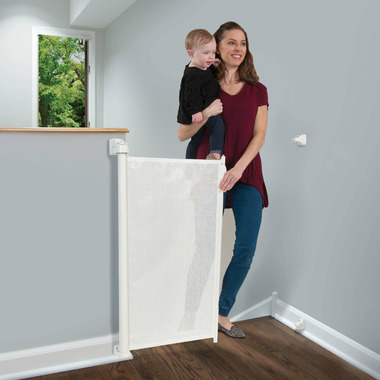 KidCo Retractable Safeway Gate White