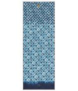 Manduka yogitoes Skidless Yoga Towel Tesselate