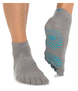 Gaiam No Slip Yoga Socks Teal Storm Size S/M